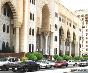 جزائية المدينة تقضي بالسجن والجلد لمذيع إيراني ابتز سعودية