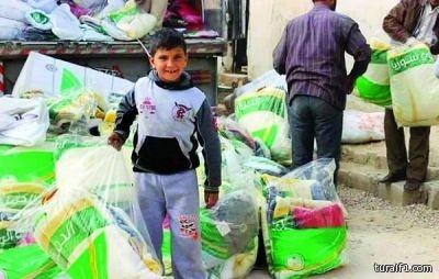 الحملة السعودية لنصرة الأشقاء السوريين توزع الكسوة الشتوية على 1700 لاجئ في الأردن