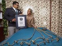 هندي يدخل جينيس كصاحب أطول أظافر في التاريخ