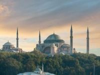 اليونان غاضبة من تلاوة القرآن في «أيا صوفيا»